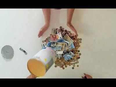 Abriendo la hucha por fin!!! Día de romper la alcancía. Opening the piggy bank.