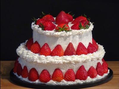 Receta Tarta de fresas con nata y bizcocho denso de chocolate - Recetas de cocina, paso a paso