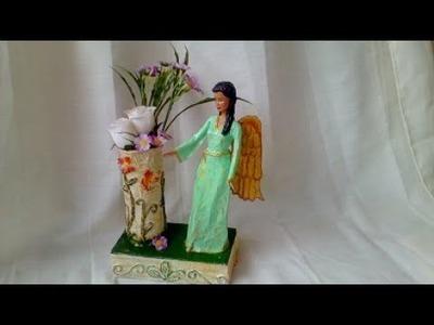 Angel     hecho de papel y reutilizando una muñeca