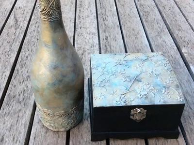 Botella reciclada y caja de madera decorada con efecto metalizado