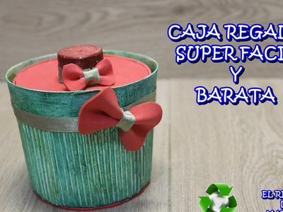 Caja regalo con una maceta. Manualidades faciles  y economicas  con material reciclado.