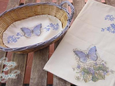 Decoupage y pintura sobre tela , mantel individual y tapete con cesto - Le petit papillon
