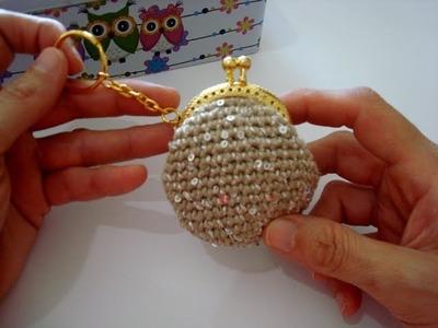 Mini monedero de ganchillo con llavero. Básico