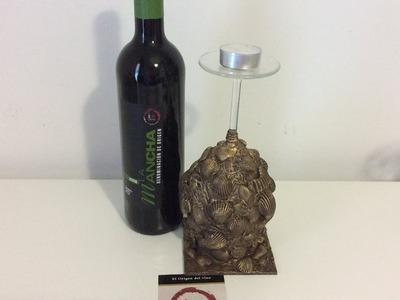 Portavela reciclando copa de vino y conchas marinas - D.O. La Mancha