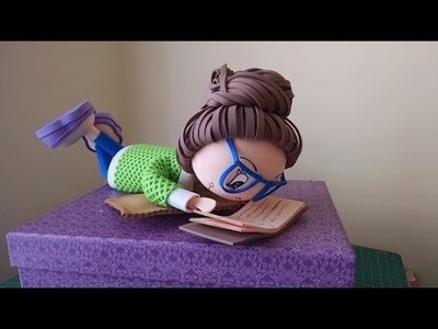 Cómo hacer una fofucha acostada en caja leyendo