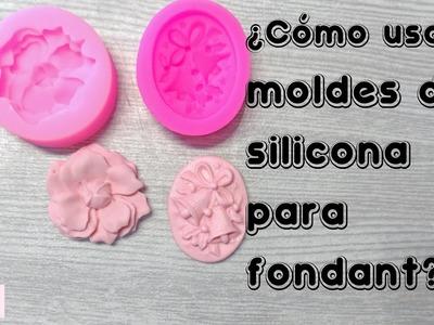 Cómo usar los moldes de silicona para fondant