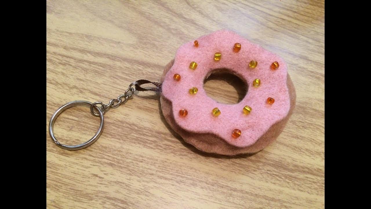DIY: Llavero dona de fieltro. donnut. fieltro. llavero. rosquilla