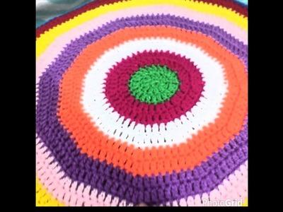 Como hacer un cojin de colores tejido 1