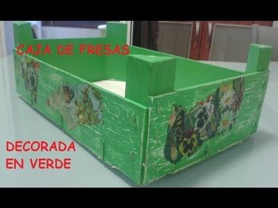 CAJA DE FRESAS DECORADA EN VERDE