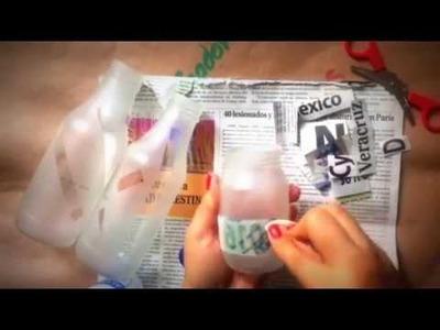Frascos con letras de periódico