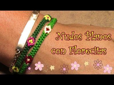 Pulsera de Hilo: Nudos Planos con Florecitas Intermedio
