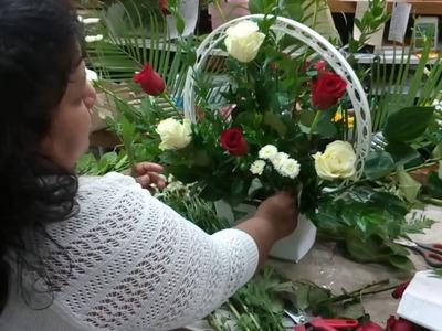 Como hacer arreglo de flores para altar de Iglesia.