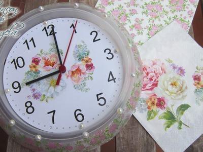 Como personalizar un reloj de pared, con decoupage