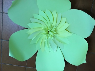 Flor grande 19 hecha en cartulina   Big flower made with cardboard