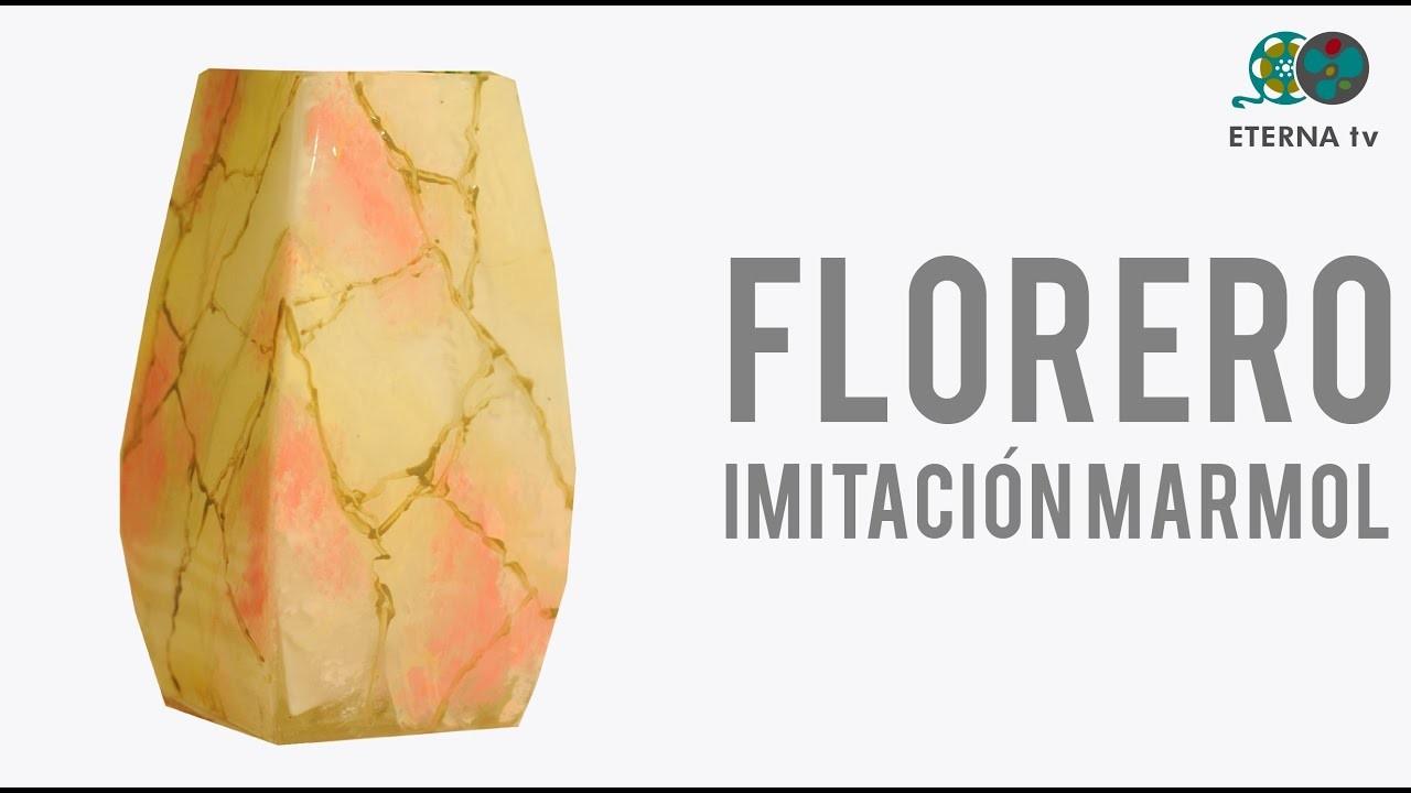 Florero de vidrio imitación mármol