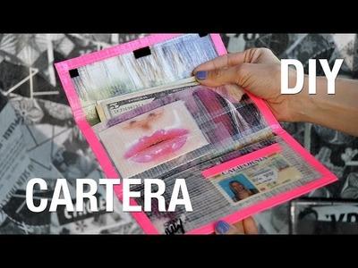 Cartera de cinta adhesiva y recortes de revista | Superholly