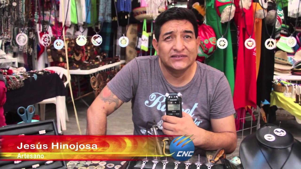 Artesanos de Cancún crean artesanías con monedas