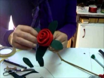 Elaboración de una flor de cuero