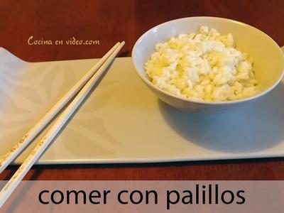 Comer con palillos. Aprende a manejarlos. Eating with chopsticks | #TonioCocina 98