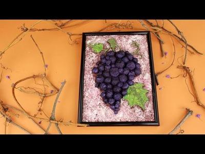 Cuadro de unas Uvas  hechas en papel maché en 3D