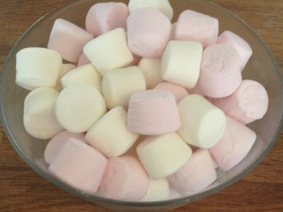Como hacer fondant casero con nubes de azúcar - Hazlo tu Mismo Comida y Bebida - Guidecentral