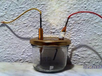 Como hacer tu propia sosa cáustica (NaOH) para hacer jabón por electrólisis. (Experimento casero)