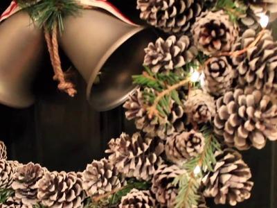 Como Hacer una Corona de Navidad Usando Piñas de Pino