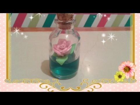Frasco con flor de loto
