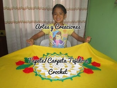 TAPETE CON APLICACIONES DE FLORES Y HOJAS TEJIDO A CROCHET