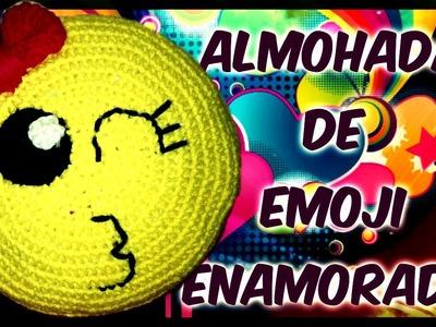 Almohada de emoji enamorado a crochet TUTORIAL PASO A PASO by Alexandra Sacasa