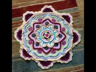 Mandalas de crochet coloridos