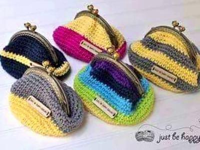 Monedero tejido con crochet