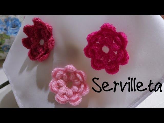Servilleta con flores tejidas a crochet
