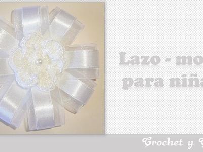 Moño – lazo con flor crochet y cintas
