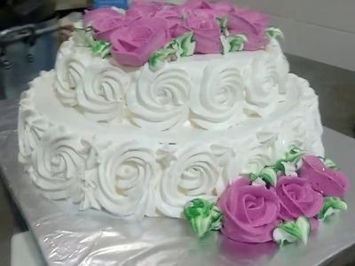 Modelo de bolo 2 andares de flores