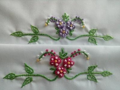 Flores con pétalos redondos en puntada rococó y la cadeneta
