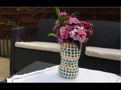 Cómo hacer un jarrón de mosaico con una botella de plástico