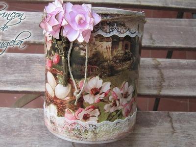 Como reciclar una lata con papel de scrap y flores de papel