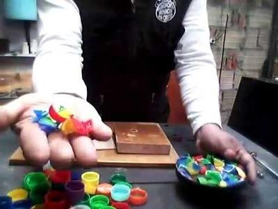 Fundir tapas de botellas plásticas , maquinita para cortar las tapas video No 3