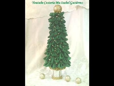 Pino navideño elegante hecho con recilaje de materiales.  DIY