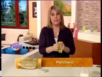 Silvina Buquete - Bienvenidas TV - Modela un Perchero en Masa de Cemento.