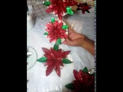 Adorno navideño con Cd's y reciclaje. Christmas ornament with cd's