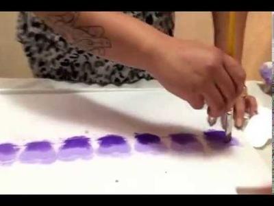Como armar una rosa con técnica de bordado y pintura sobre humedo en tela