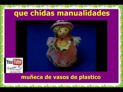 Muñecas de vasos de plastico