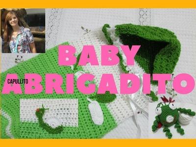 Bolsa, ajuar de bebè , tejido en crochet, con capucha y caracol - 2-