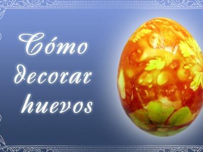 Como pintar Huevos de Pascua con colorantes naturales - flores y hojas