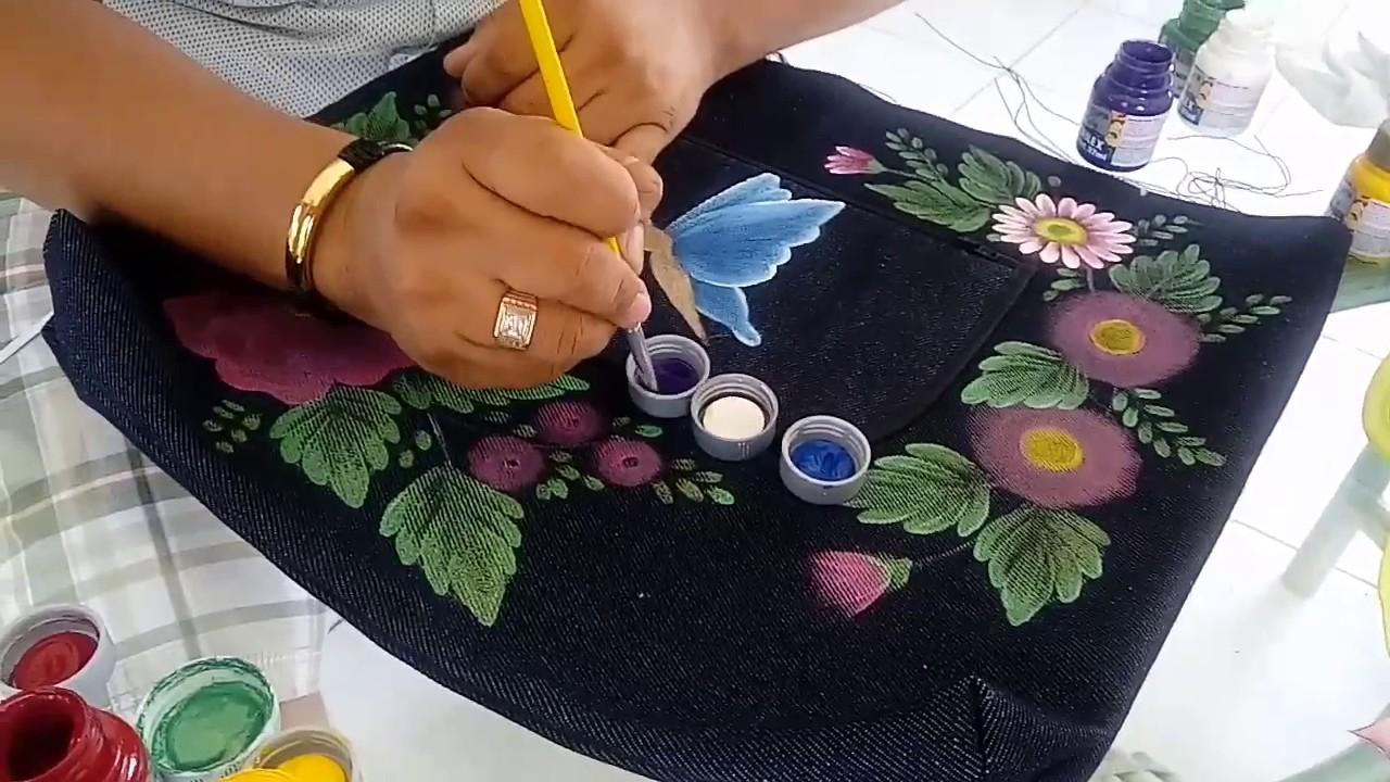 Tutorial pintura textil. Pintando flores y mariposa en fondo obscuro.
