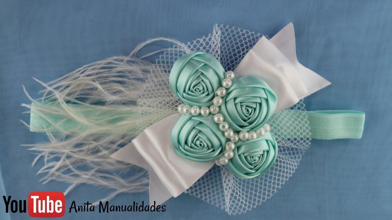 Tiara con flor botón y perlas
