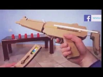 Cómo hacer una ametralladora de cartón que dispara balas de papel.
