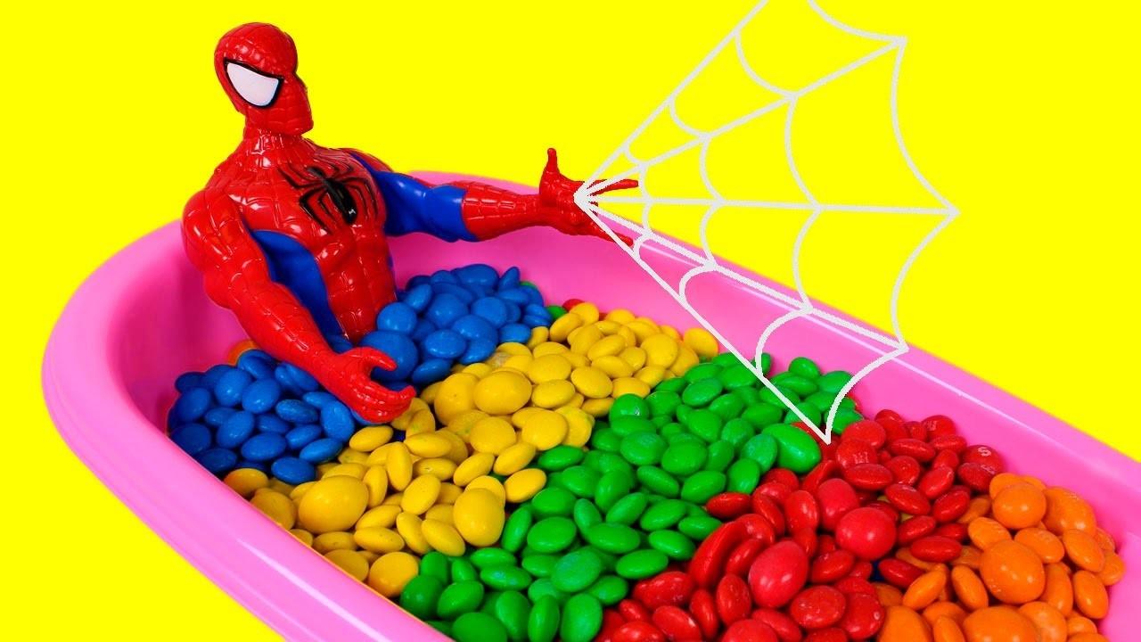 ???? LOS COLORES ???? Caramelos M&M's con Spiderman   Aprender Jugando